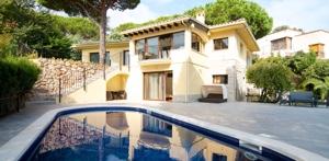 Houses Villas / Houses